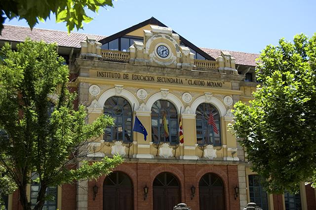 Fotografía de la fachada principal del IES Claudio Moyano de Zamora